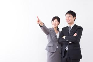 日本人ビジネスマンとビジネスウーマンの写真素材 [FYI04649250]