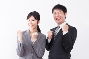 日本人ビジネスマンとビジネスウーマンの写真素材 [FYI04649270]