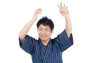 甚平を来た日本人男性の写真素材 [FYI04650100]