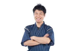 甚平を来た日本人男性の写真素材 [FYI04650101]