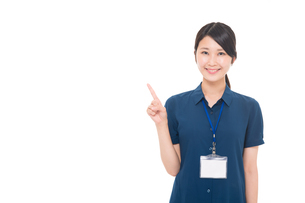 ネームプレートをつけた日本人女性の写真素材 [FYI04650143]