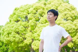 運動をする日本人男性の写真素材 [FYI04650295]
