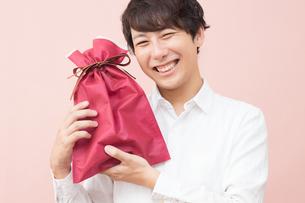 日本人男性の写真素材 [FYI04650877]