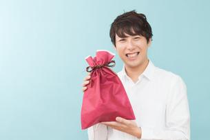 日本人男性の写真素材 [FYI04650936]