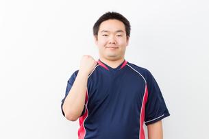 運動をする日本人男性の写真素材 [FYI04651415]