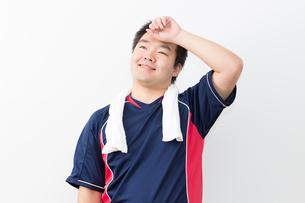運動をする日本人男性の写真素材 [FYI04651429]