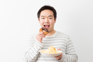 日本人男性の写真素材 [FYI04651451]