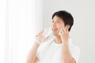 日本人男性の写真素材 [FYI04651463]
