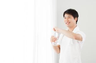 日本人男性の写真素材 [FYI04651469]