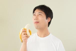 日本人男性の写真素材 [FYI04651477]