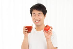 日本人男性の写真素材 [FYI04651483]