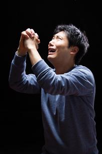 日本人男性の写真素材 [FYI04651711]
