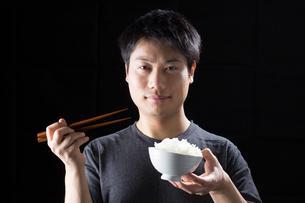 日本人男性の写真素材 [FYI04651746]