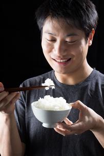 日本人男性の写真素材 [FYI04651755]