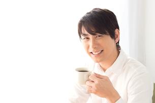 日本人男性の写真素材 [FYI04652111]