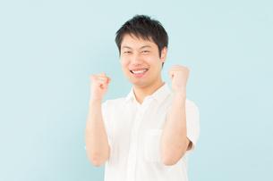 日本人男性の写真素材 [FYI04652477]