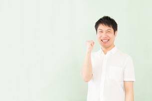 日本人男性の写真素材 [FYI04652504]