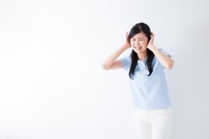 日本人女性の写真素材 [FYI04653064]