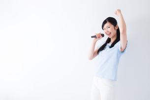 日本人女性の写真素材 [FYI04653111]