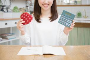 日本人女性の写真素材 [FYI04653616]