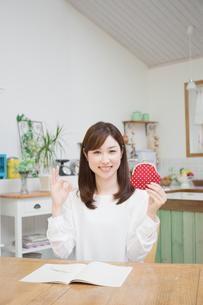 日本人女性の写真素材 [FYI04653625]