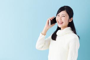 日本人女性の写真素材 [FYI04653795]