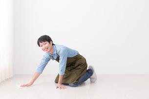 日本人男性の写真素材 [FYI04653884]