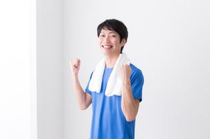 日本人男性の写真素材 [FYI04653920]