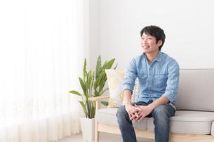 日本人男性の写真素材 [FYI04654001]