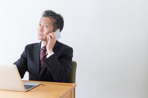 日本人シニアビジネスマンの写真素材 [FYI04654168]