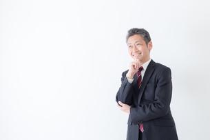 日本人シニアビジネスマンの写真素材 [FYI04654198]