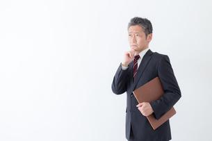 日本人シニアビジネスマンの写真素材 [FYI04654353]