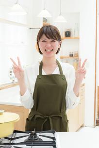 日本人女性の写真素材 [FYI04654916]