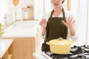 日本人女性の写真素材 [FYI04654950]