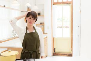 日本人女性の写真素材 [FYI04654953]