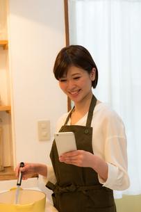日本人女性の写真素材 [FYI04654991]