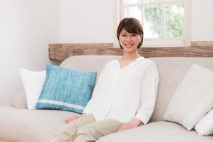 日本人女性の写真素材 [FYI04655010]