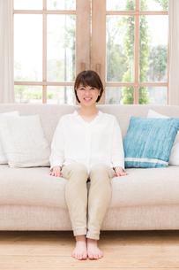 日本人女性の写真素材 [FYI04655017]