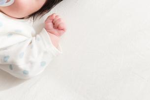 赤ちゃんの写真素材 [FYI04655308]