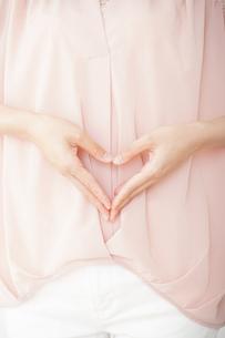 妊娠した女性の写真素材 [FYI04655979]