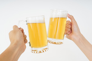 ビール・乾杯イメージの写真素材 [FYI04656793]