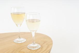 ワイングラス・シャンパンイメージの写真素材 [FYI04656830]