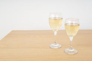 ワイングラス・シャンパンイメージの写真素材 [FYI04656839]
