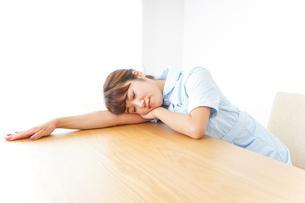 看護師 疲れるの写真素材 [FYI04658586]