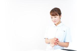 看護師 患者の写真素材 [FYI04658590]