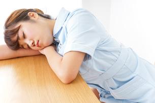 看護師 疲れるの写真素材 [FYI04658591]