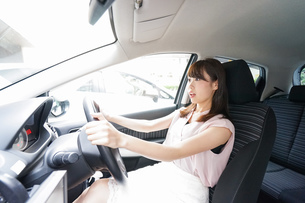 交通事故・危険運転イメージの写真素材 [FYI04659035]
