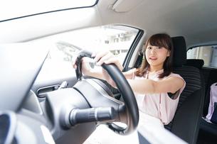 交通事故・危険運転イメージの写真素材 [FYI04659036]