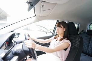 交通事故・危険運転イメージの写真素材 [FYI04659037]