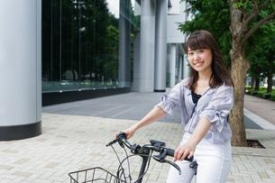 自転車イメージ・アップの写真素材 [FYI04659093]